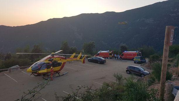 Paikallinen pelastuslaitos etsi kadonnutta keskiviikkona muun muassa helikopterien avulla niin pitkään kuin valoa riitti.