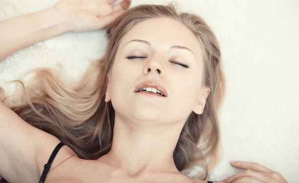 faktoja naisten orgasmeja hampaaton suihin videot