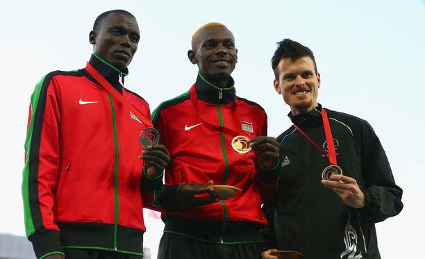 Vuonna 2014 Robertson voitti pronssia Kansainyhteisön kisoissa. Kultaa voitti tuolloin kenialainen Caleb Ndiku ja pronssia maanmies Isiah Koech.