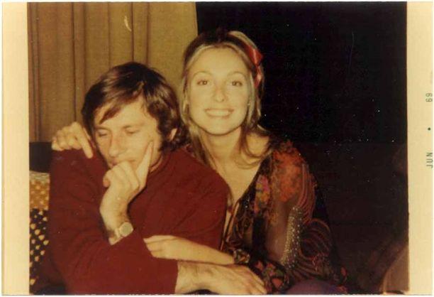 Tämä kuva Roman Polanskista ja Sharon Tatesta otettiin vain tunteja ennen Taten kuolemaa.
