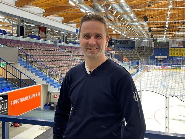 Kehityspäällikkö Mikko Hakkaraisella on iso rooli Jukurien kasvojenpesun taustalla. Viime kaudella Jukurit oli sarjan 14.