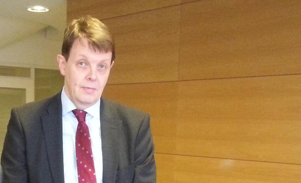 Tutkinnanjohtaja Jukka Haaviston mukaan Jari Aarnion rahavaroja selvitettiin esimerkiksi Plussakortista.