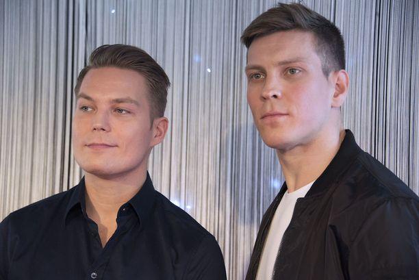 Antti Holma näyttelee Cheek-elokuvassa sekä Jare että Jere Tiihosen roolin.