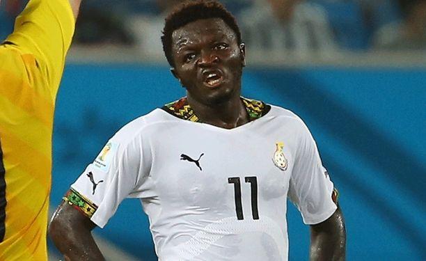 Sulley Muntari (kuvassa) ja Kevin-Prince Boateng potkittiin ulos Ghanan MM-joukkueesta.