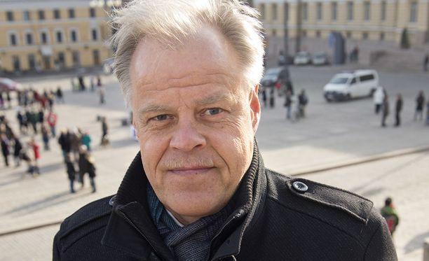 Opettajien ammattijärjestön puheenjohtaja Olli Luukkaisen mukaan luokanopettajat tarvitsevat enemmän apua.