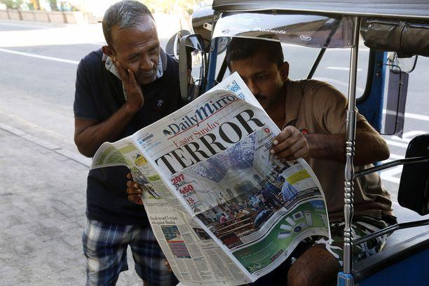 Turistien suosimaa Sri Lankaa ravisutti pääsiäissunnuntaina suuri määrä räjähdyksiä.