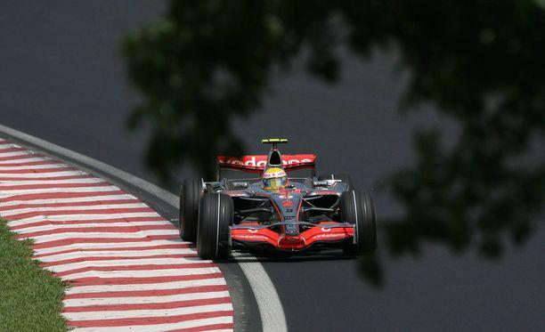 Lewis Hamilton koki uskomatonta epäonnea vuoden 2007 mestaruustaistossa.