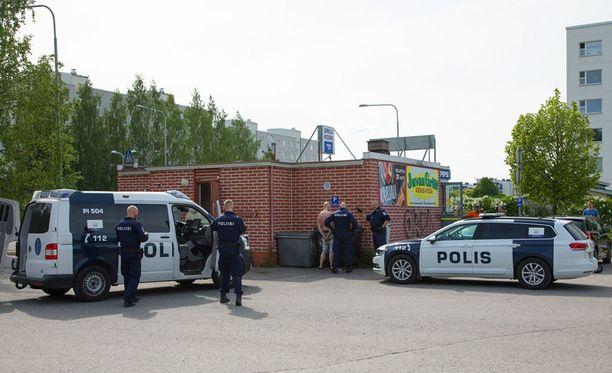 Ajo-oikeudeton mies aiheutti kuljettamallaan autolla vaaratilanteen Tampereella.