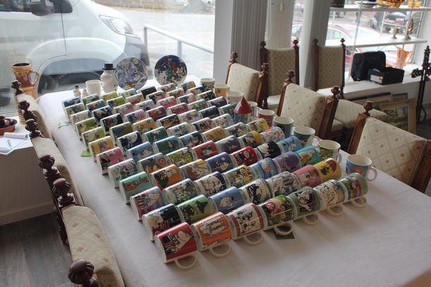 Hulppea muumimukikokoelma tulee myyntiin tamperelaisessa huutokaupassa.
