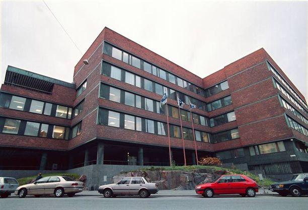 Kansaneläkelaitos hoitaa Suomessa asuvien ihmisten perusturvaa monilla eri tavoilla. Sen pääkonttori sijaitsee Taka-Töölössä Helsingissä.