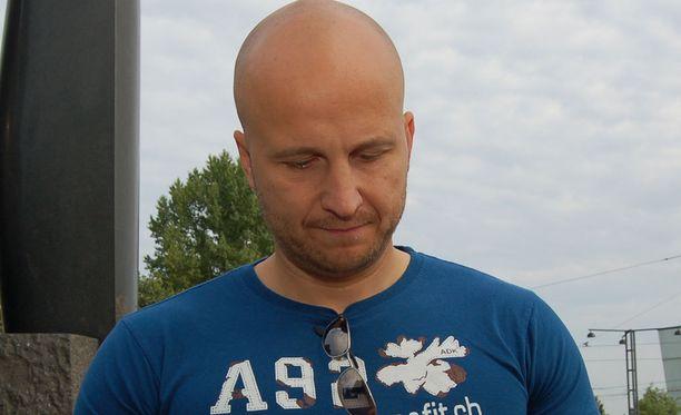 """Nettipoliisi Marko """"Fobba"""" Forss kritisoi Helsingin apulaispoliisipäällikkö Ilkka Koskimäen lausuntoja sekä mediaa."""