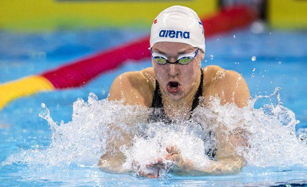 Jenna Laukkanen eteni aikansa puolesta 200 metrin rintauinnin finaaliin, mutta hänet hylättiin.