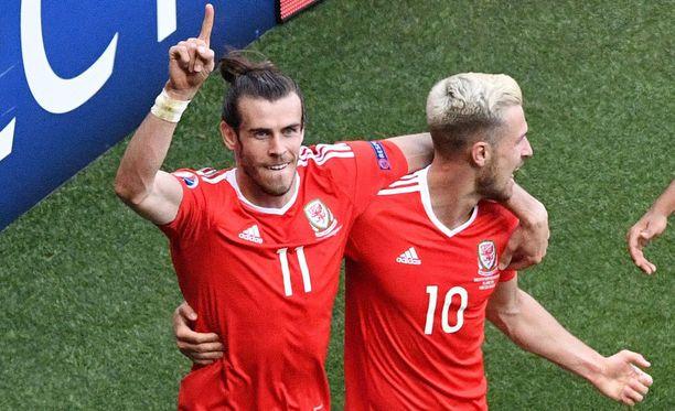 Gareth Bale (vas.) oli taas iskussa.