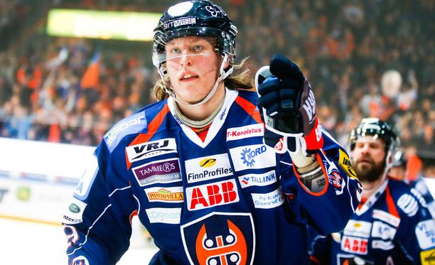 Patrik Laine pelasi viime kaudella Tapparassa.