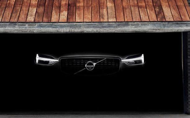 Muista uusista Volvoista tutut etuvalot.