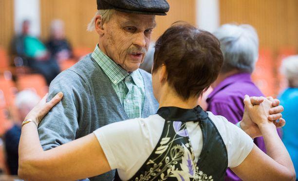 Hahmogalleriassa on tänään mukana myös 83-vuotias Olavi.