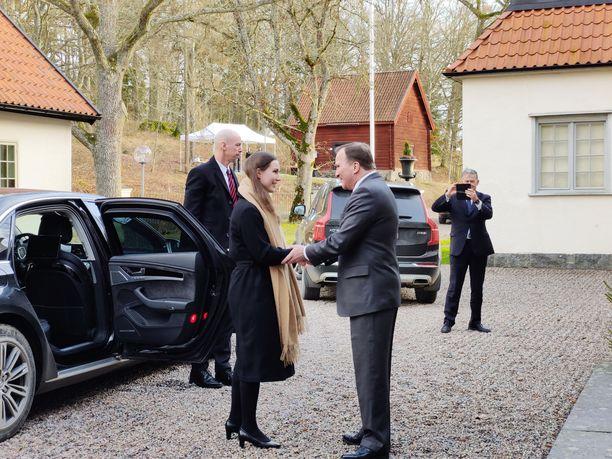 Pääministerit. Sanna Marin (sd)  ja Stefan Löfven (sd) tapasivat ensimmäistä kertaa kahden kesken Ruotsin pääministerin vapaa-ajan asunnolla Harpsundissa.