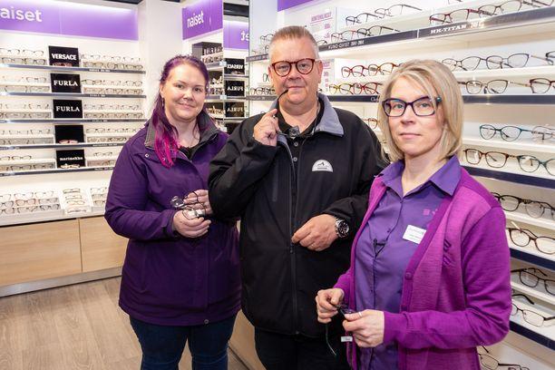 Tiistain jaksossa Heli ja Aki vierailivat myös silmälasiostoksilla.
