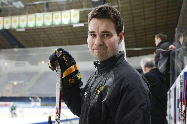 Markus Korhonen on toiminut Ilveksen maalivahtivalmentajana kymmenen vuotta. Kuva vuodelta 2013.