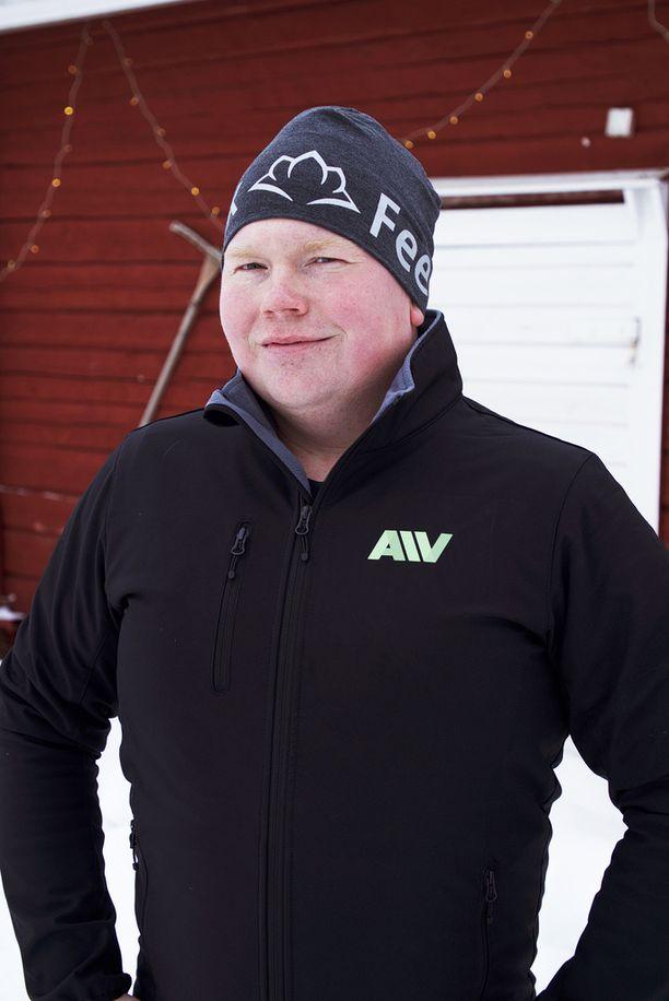 31-vuotiaalla Aapelilla on maitotila Rantsilassa.