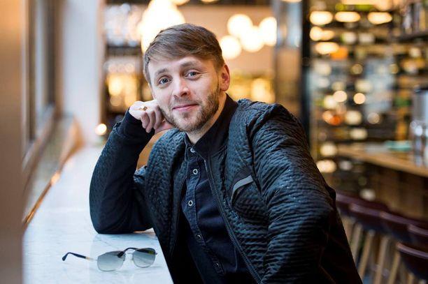 Reino Nordin ei usko ajatukseen, että taiteellisuuden joutuisi uhraamaan, jos tekee enemmän hittityylistä musiikkia.
