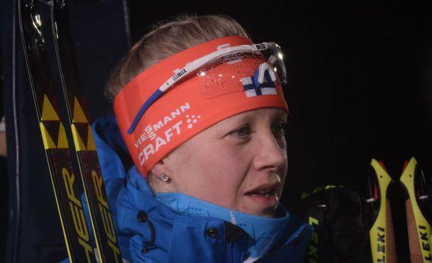 Kaisa Mäkäräinen jäi kaksi minuuttia ja 20 sekuntia kisan voittaneesta Marie Dorin Habertista.