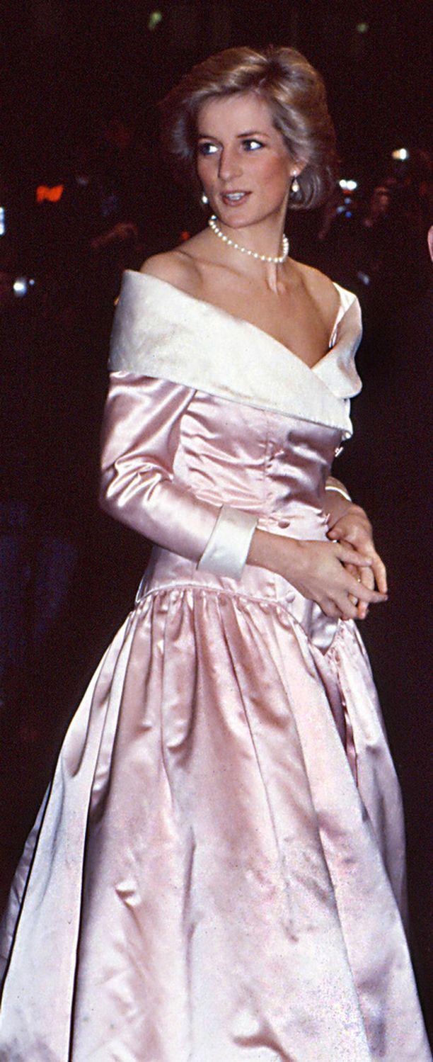 Lady Kitty on perinyt upeita piirteitä edesmenneeltä prinsessa Dianalta. Kuvassa Diana 1980-luvun lopulla.