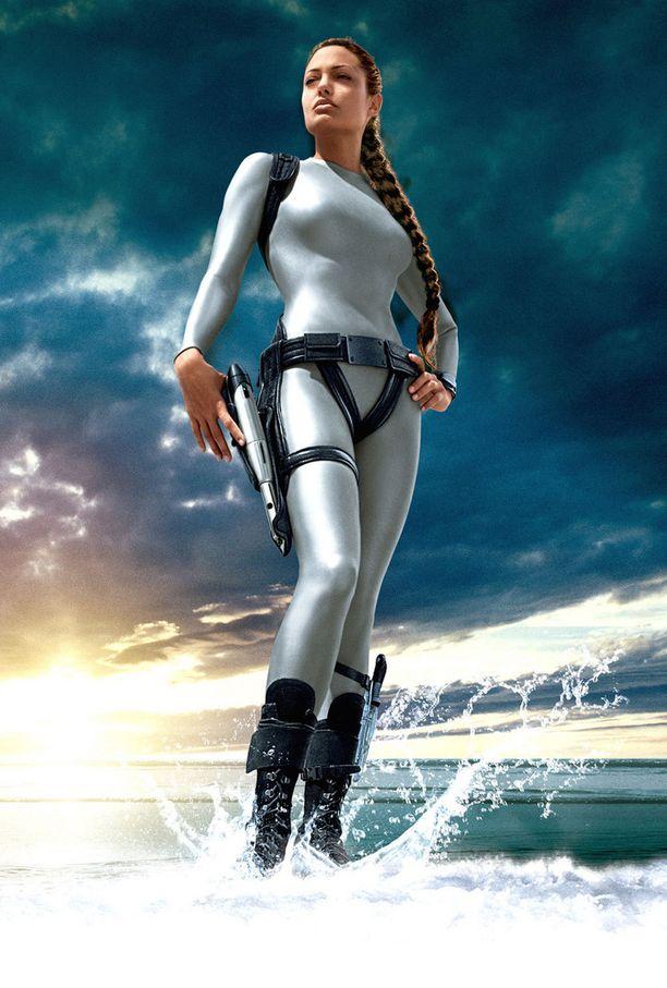 Siitä huolimatta, että Tomb Raider -sarjan toinen elokuva Elämän lähde (2003) sai kriitikoilta tyrmäyksen, se menestyi elokuvateattereissa hyvin. Nyt yli 10 vuotta myöhemmin elokuva on saamassa jatkoa.