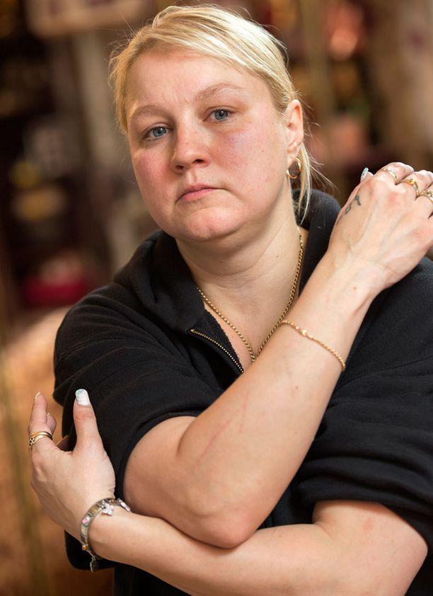 Tanja Tikkanen on vannoutunut Neljänsuoran fani.