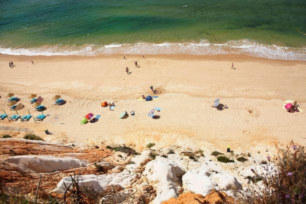 Falesian ranta Algarvessa sopii hyvin lapsiperheille.