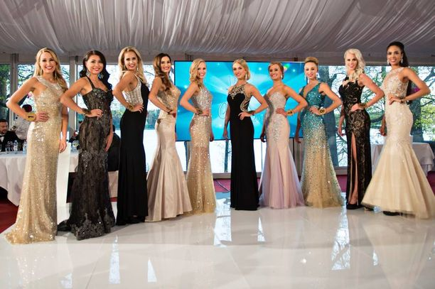 Koko Miss Suomi 2016 -kilpailun finalistit.