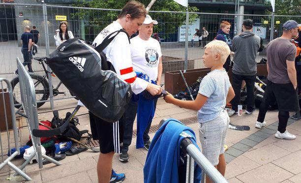 Miro Heiskasella riitti vientiä Helsingissä pelatussa tossulätkän SM-karsinnassa.