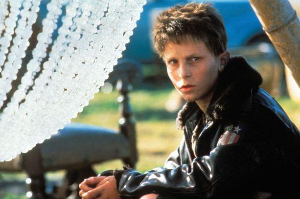 Bale teki yhden ensimmäisistä elokuvarooleistaan 13-vuotiaana elokuvassa Auringon valtakunta.