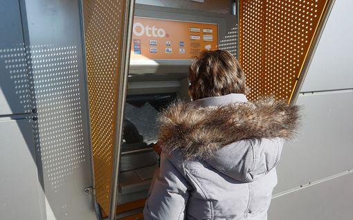 Katala kaksikko iski pankkiautomaatilla: Toinen koputteli olalle, toinen vei kortin