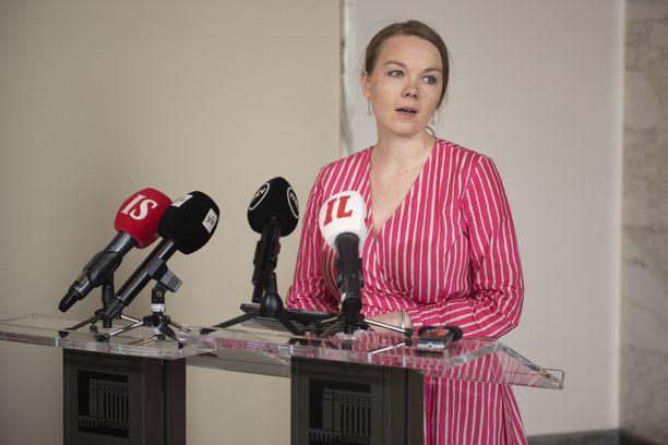 Valtiovarainministeri Katri Kulmuni erosi tehtävästään perjantaina.