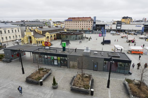 Mies pääsi lopulta pakenemaan Kuopiosta hotellista. Kuvituskuva Kuopion keskustasta.