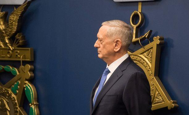 Puolustusministeri Mattis vierailee Irakissa.