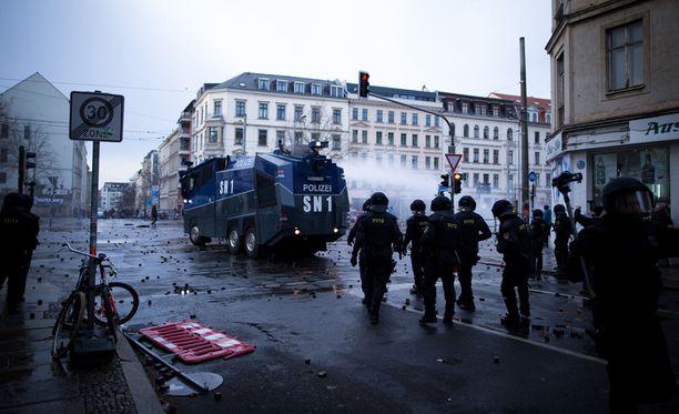 Yhteenoton jälkiä Leipzigin kaduilla.