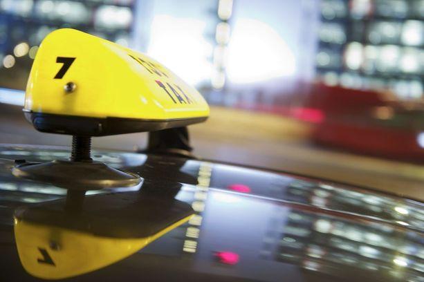 Jatkossa takseiksi kelpaisivat esimerkiksi mopoauto, kolmipyörä tai mönkijä.