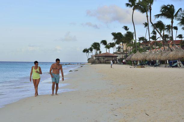 Saaren päävetonaula on upeat rannat. Hyvinvoivan Aruballa rannoilla ei ole kaupustelijoita.