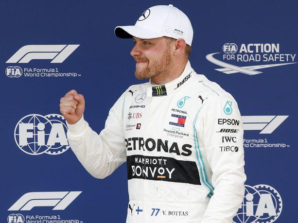 Valtteri Bottas on kuljettajien MM-sarjassa toisena. Tallikaveri Lewis Hamilton nykäisi Kiinassa kuuden pisteen eron.