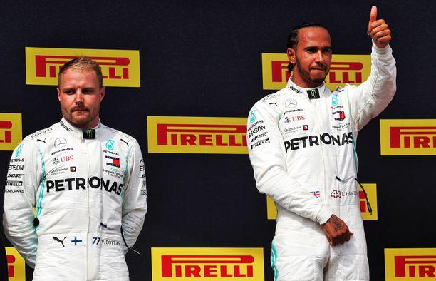 Tuttu näky viime kisoista: Valtteri Bottas ei ole pystynyt haastamaan tallikaveriaan Lewis Hamiltonia.
