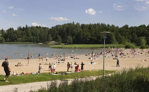 Oittaan uimaranta Bodominjärvellä on suosittu.