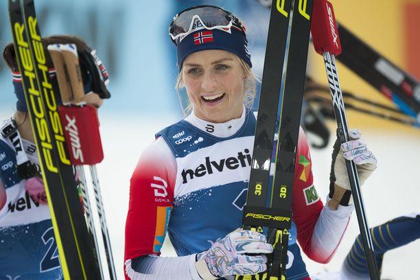 Therese Johaug voitti - mutta yllättävän niukalla erolla.
