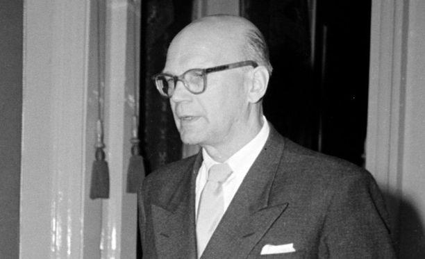 Urho Kekkonen kertoi ainoastaan Maarit Tyrkölle häntä vaivaamaan jääneestä teloituksesta.