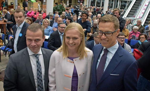 Kovaa kisaa käyvät Petteri Orpo, Elina Lepomäki ja Alexander Stubb.