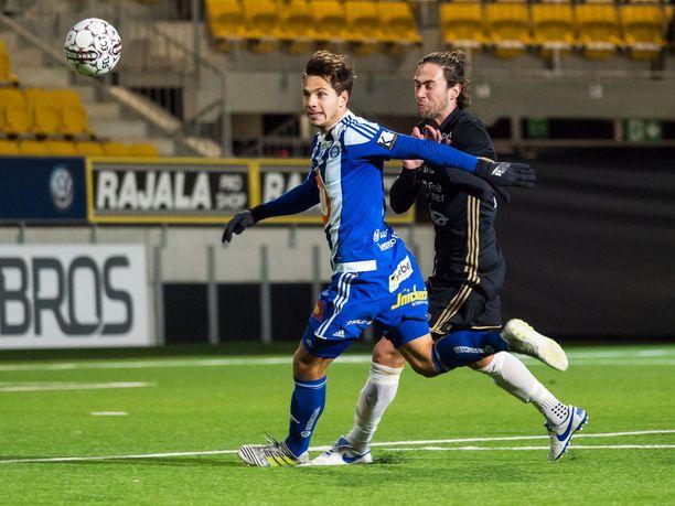 Etualalla oleva Sebastian Dahlström ampui HJK:n avausmaalin. SJK:sta RoPS:iin vaihtanut Vahid Hambo puolestaan osui heti uudessa joukkueessaan.