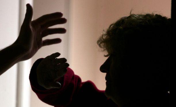 Yli kolmasosa naisista kertoi kohdanneensa elämänsä aikana väkivaltaa. Kuvituskuva.