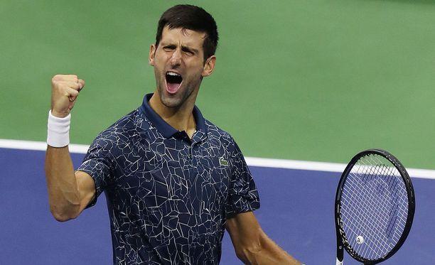 Novak Djokovic tuuletti semifinaalivoittoaan New Yorkissa 7.9.2018.