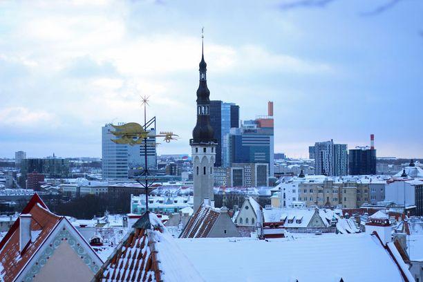 Radisson-hotellin korkea torni näkyy Tallinnan kaupunkikuvassa.